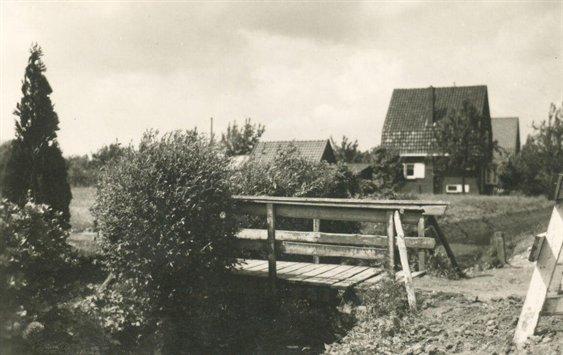 De Groenedijk in 1954 met de huisnummers 37 (voor) en 35 (achter) bron: Archief Utrecht